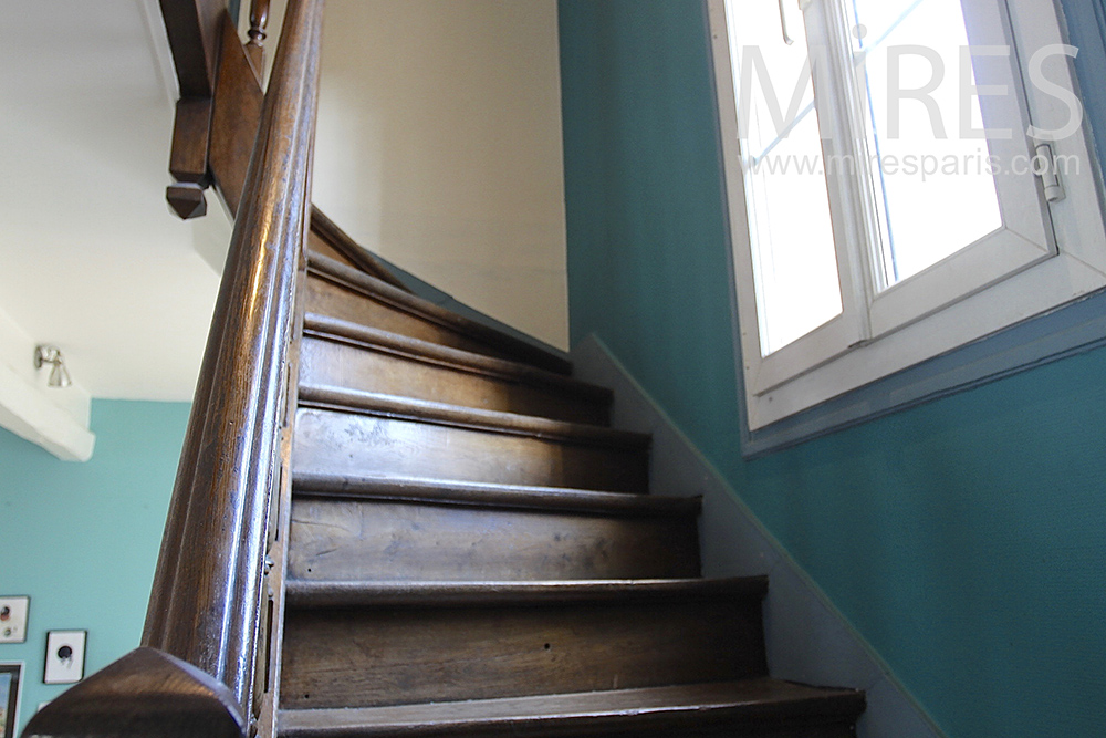 Waxed wooden staircase. C0653