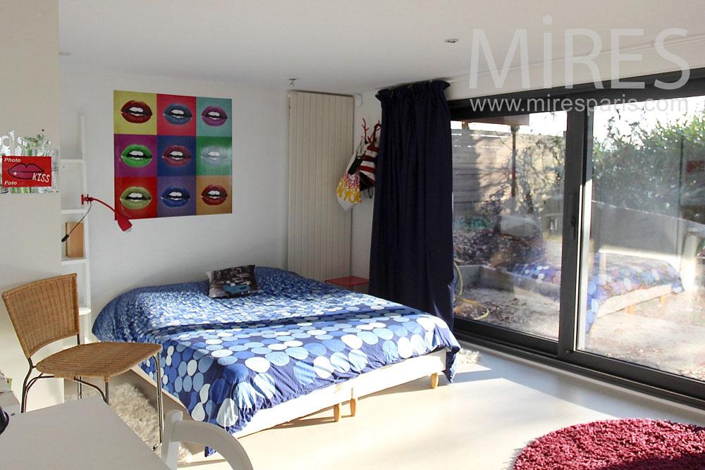 Ground floor bedroom. C1415