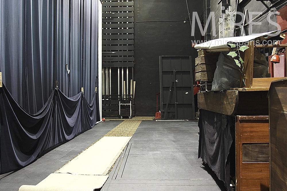 Backstage. C1418