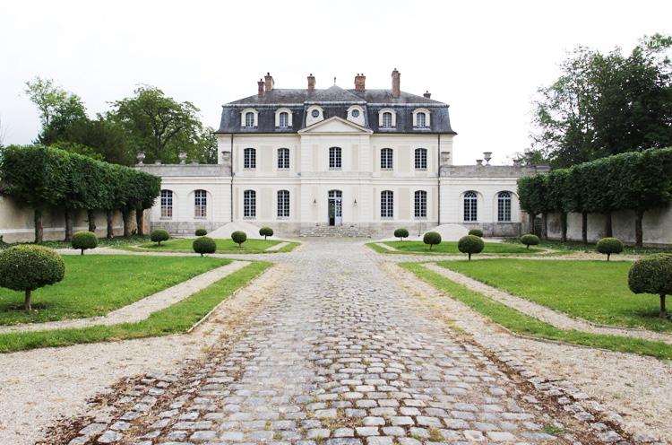 Château et belle décoration classique. C0081