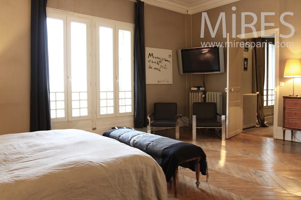 Grande chambre confortable. C1432