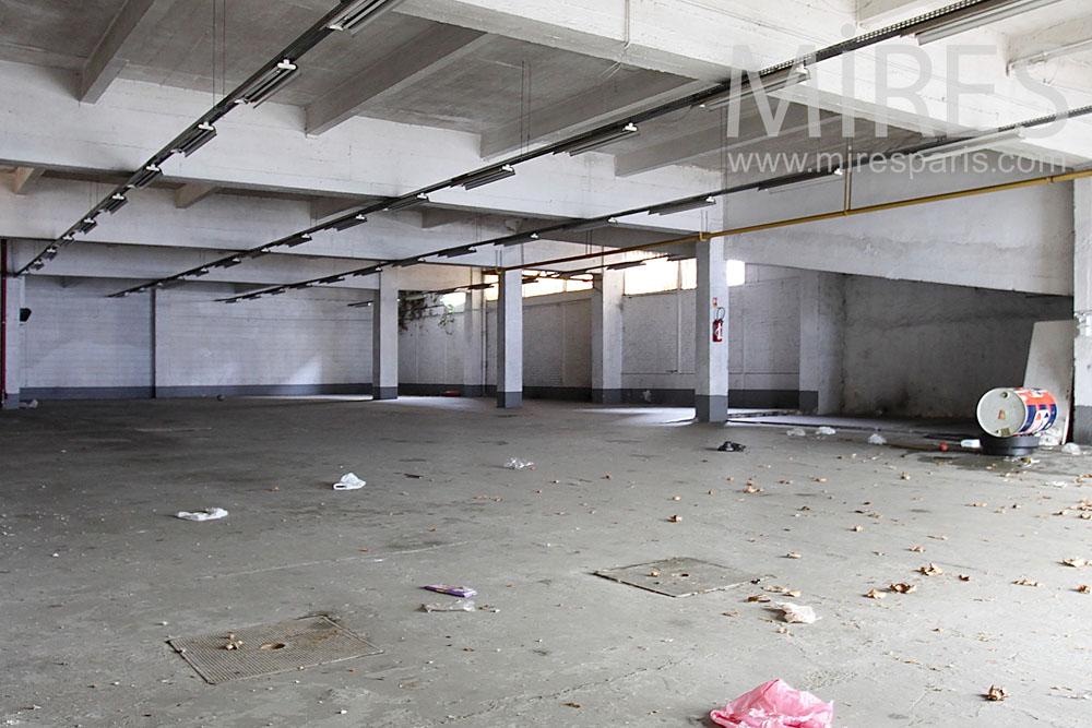 Garage pour l'exposition. C1444