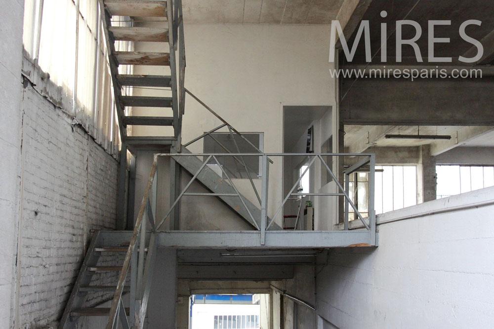 Escalier métallique. C1444