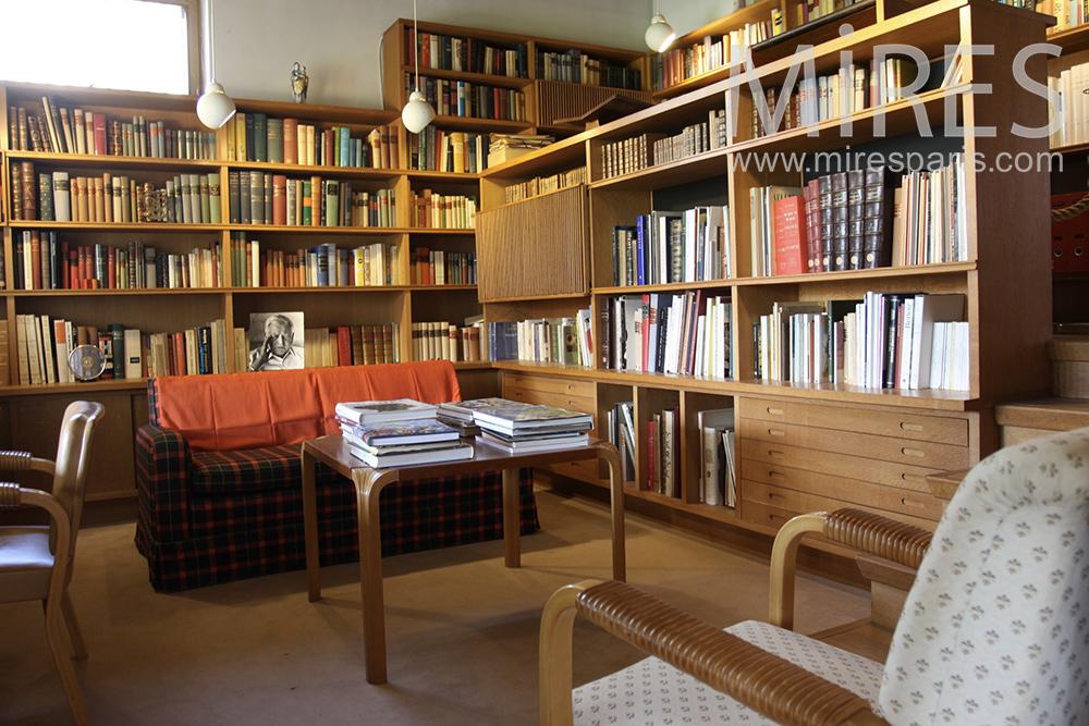 Bibliothèque et boiserie. C1451