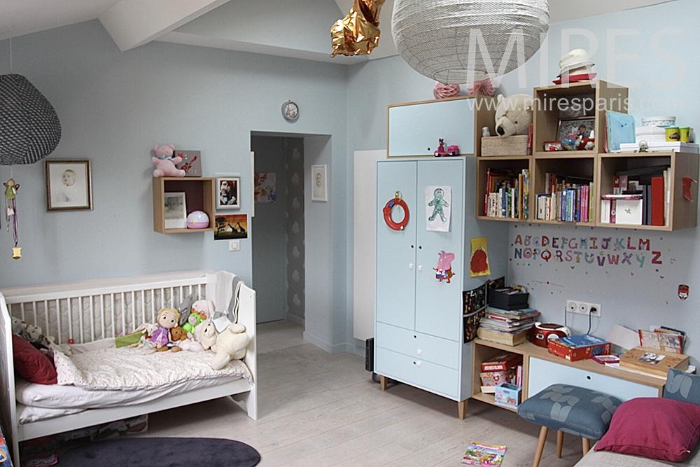 pour b b avec table langer et espace de jeux c1453 mires paris. Black Bedroom Furniture Sets. Home Design Ideas