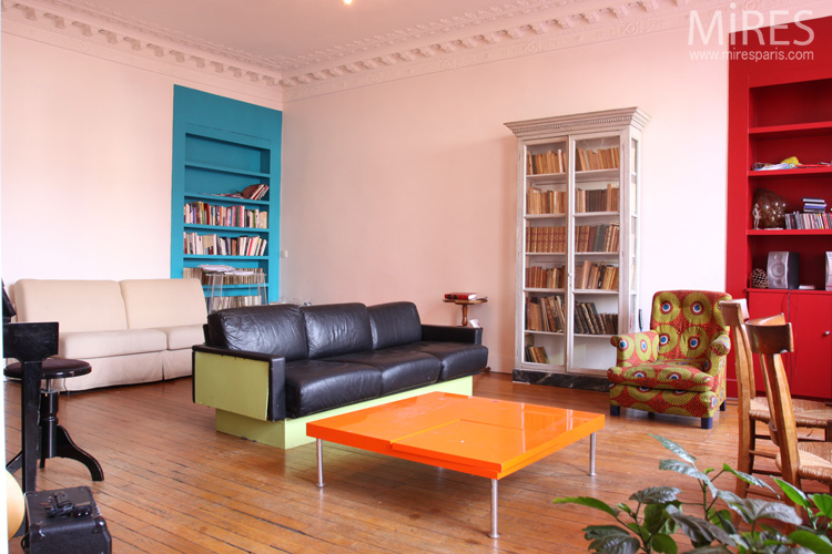 Appartement coloré. C0597