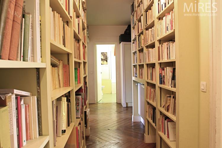 Couloir de lecture. C0597