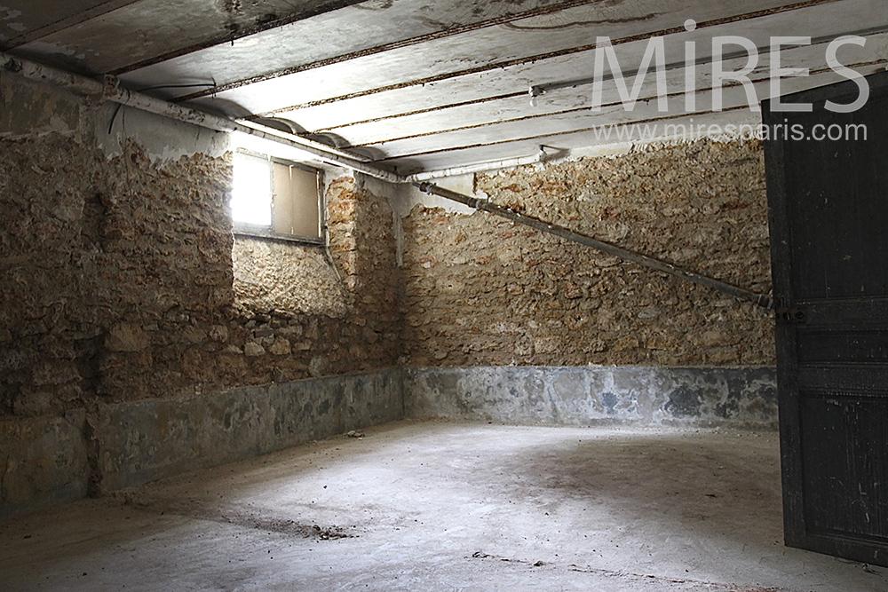 Cave de pierre. C1461