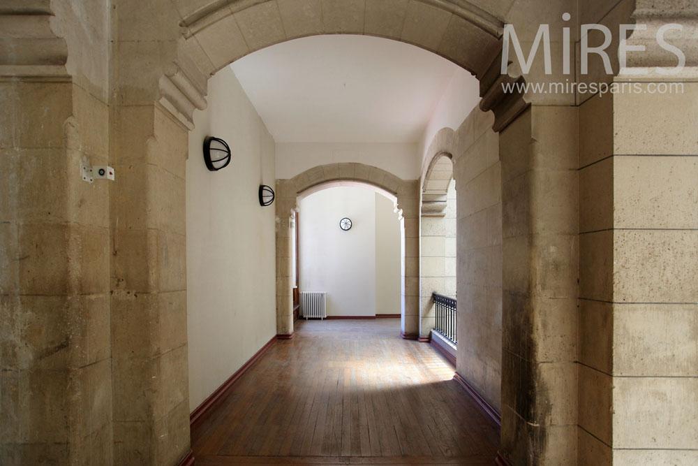 Passages intérieur de tout style. C1462