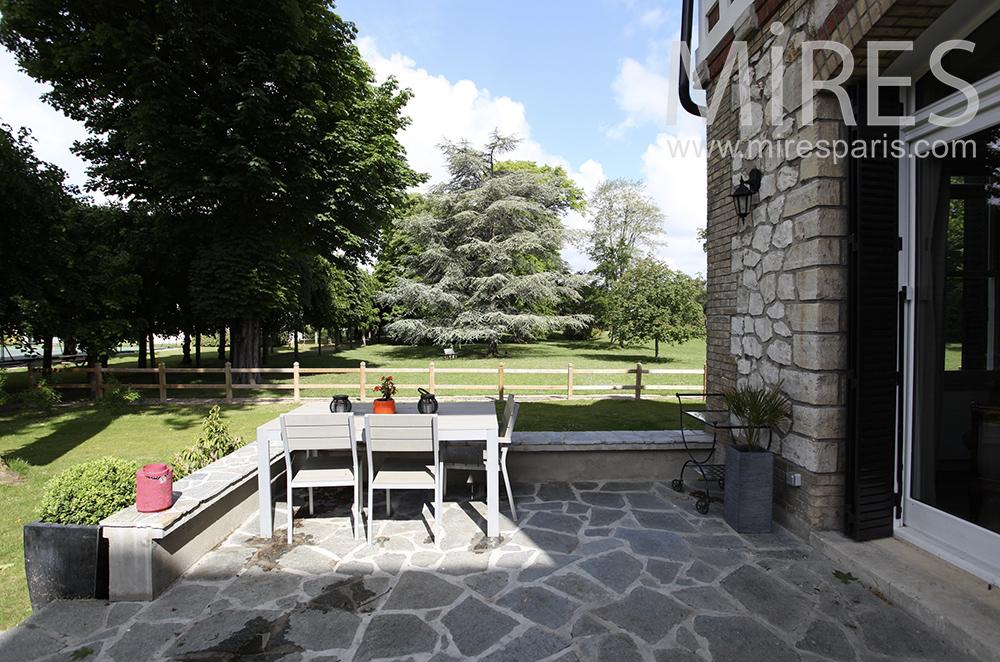 Terrasse et salon sur jardin c1464 mires paris for Terrasses et jardins paris