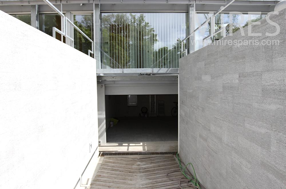 Garage en sous-sol. C1456