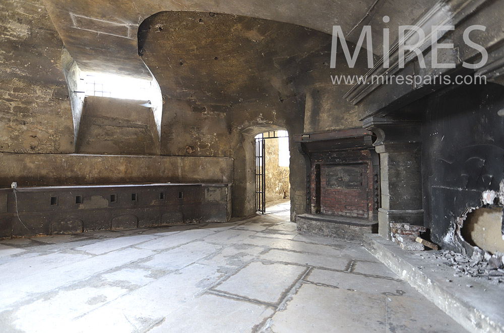 Cellar with fireplace. c1467