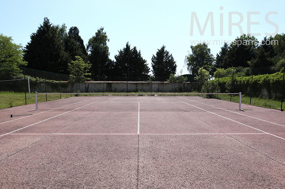 Tennis au fond du parc. C1469