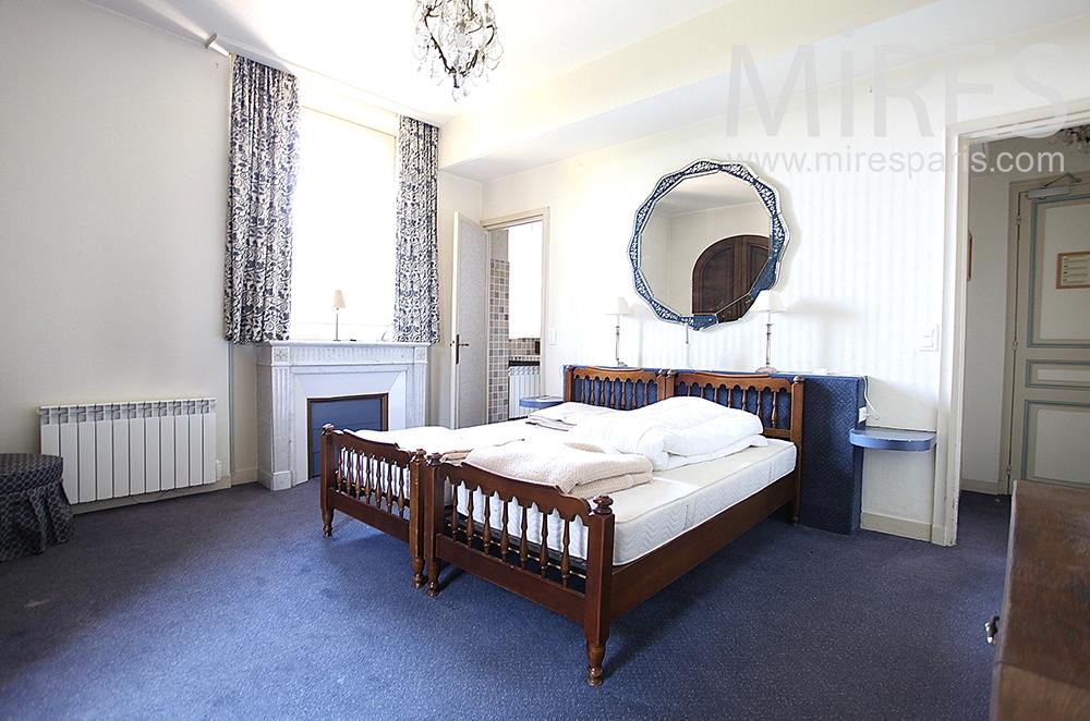Double lit avec bains. C1469