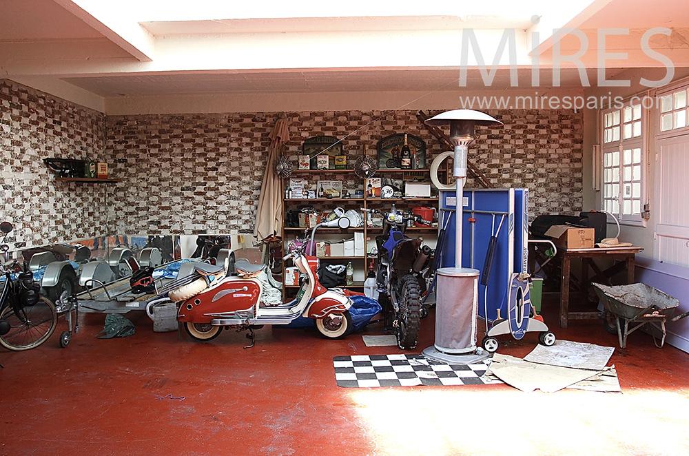 Ambiance garage. C1472