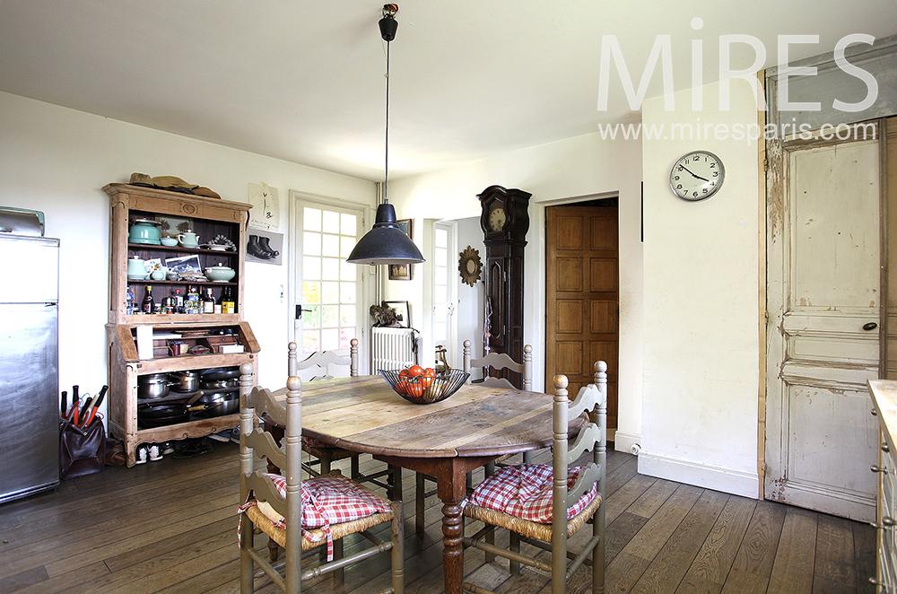 cuisine l ancienne c1477 mires paris. Black Bedroom Furniture Sets. Home Design Ideas
