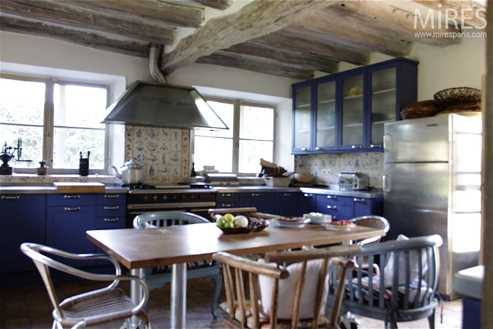 Blue kitchen. C0082