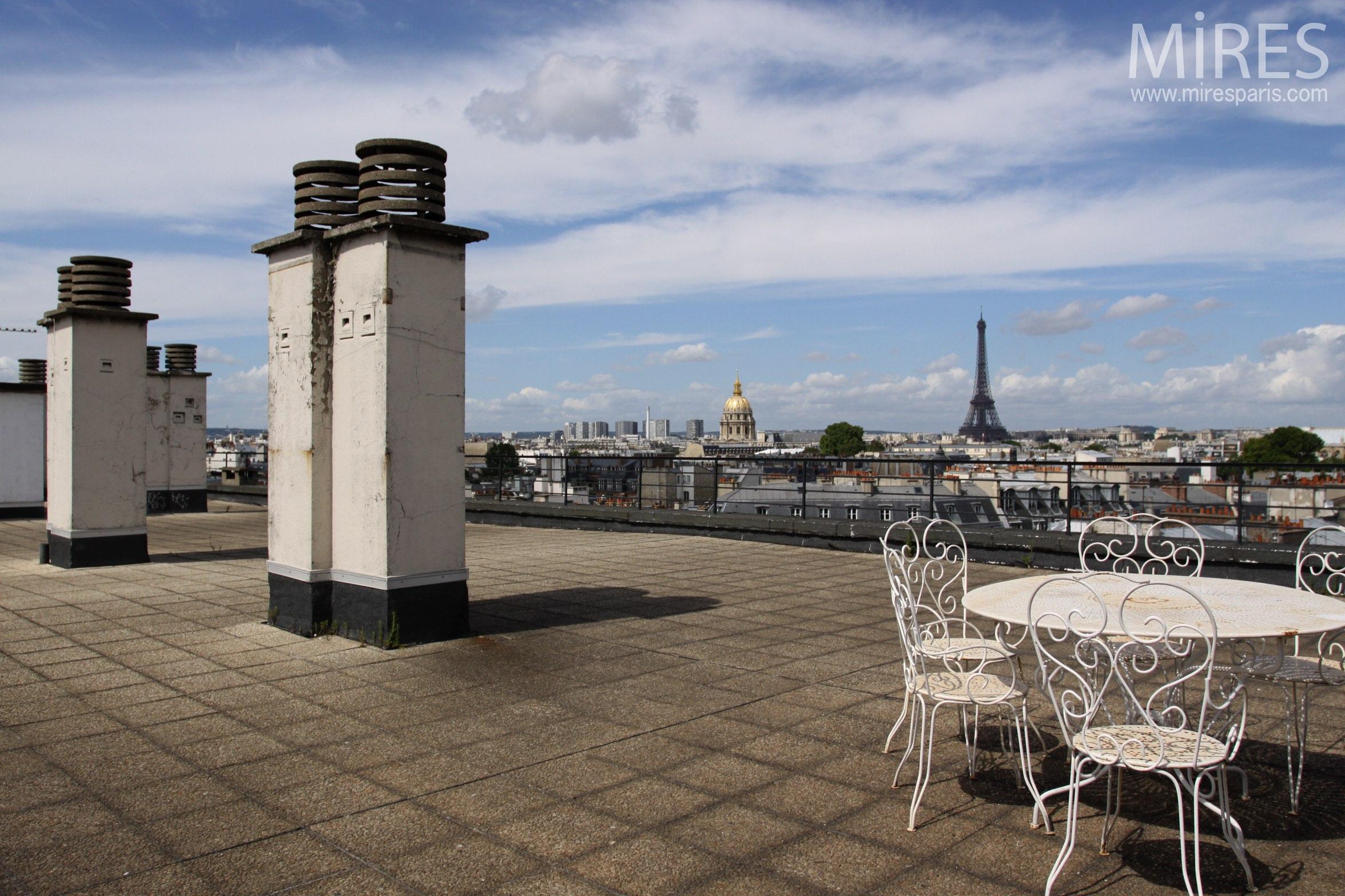 Terrasse sur Tour Eiffel. C0382
