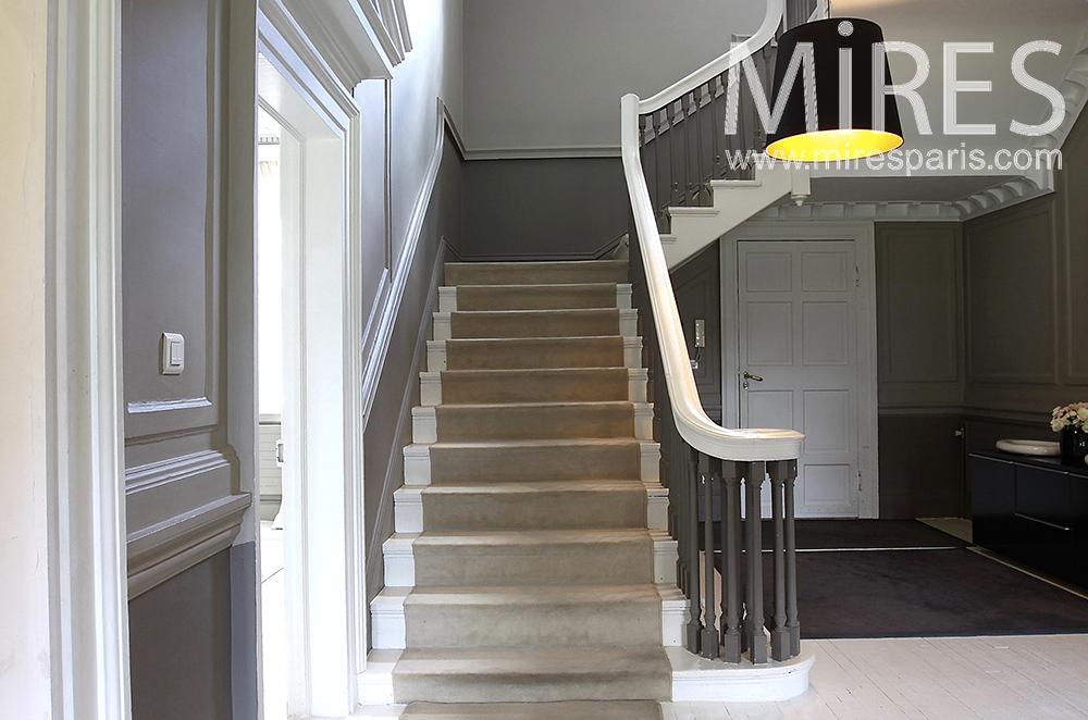 Large escalier de bois. C1480