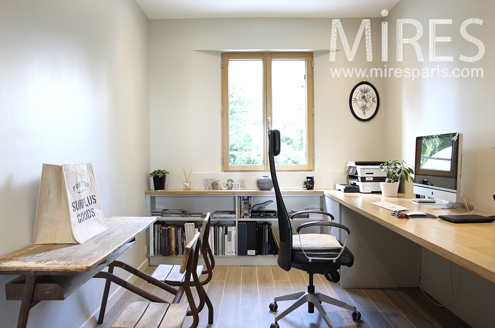 Bureau moderne. C1485