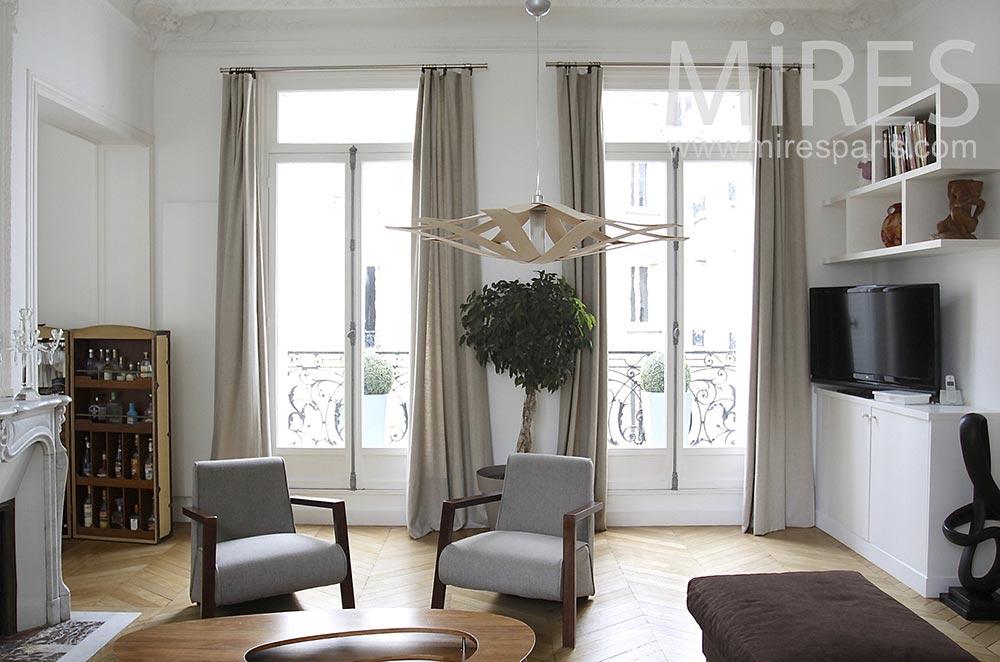 Appartement familial parisien. C1490