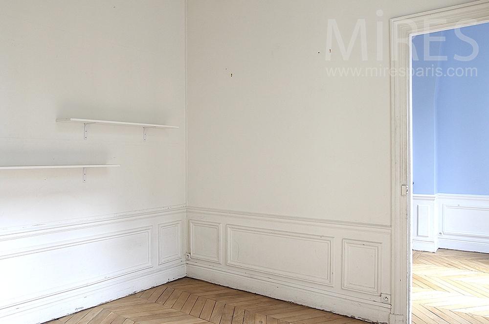 Chambre vide donnant sur cour c0927 mires paris for Chambre vide