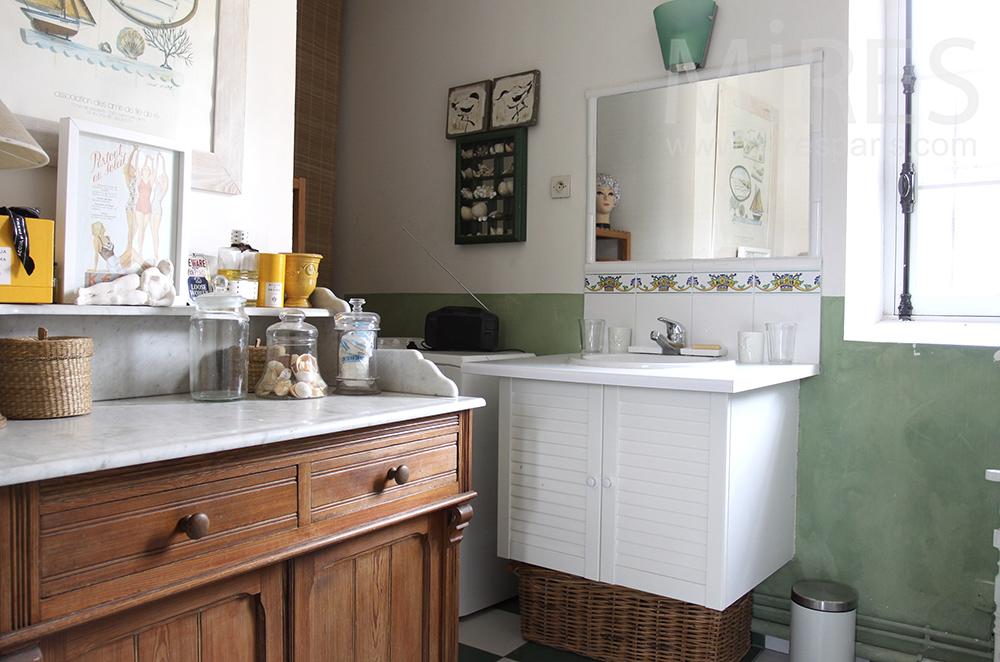 Salle de bain à l\'ancienne. C1495   Mires Paris