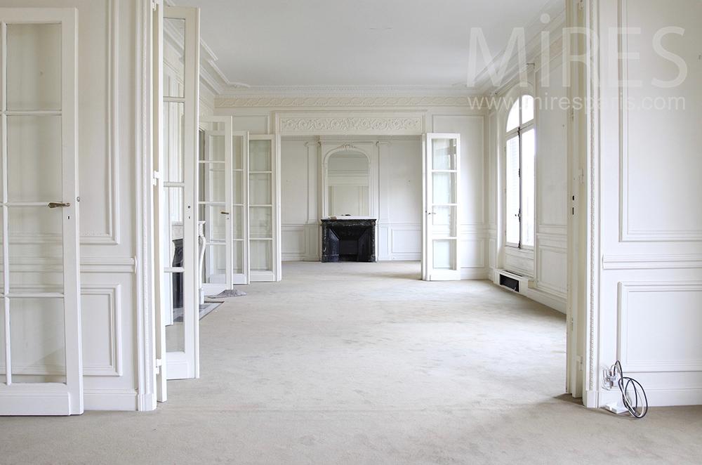 Appartement blanc de blanc. C1496