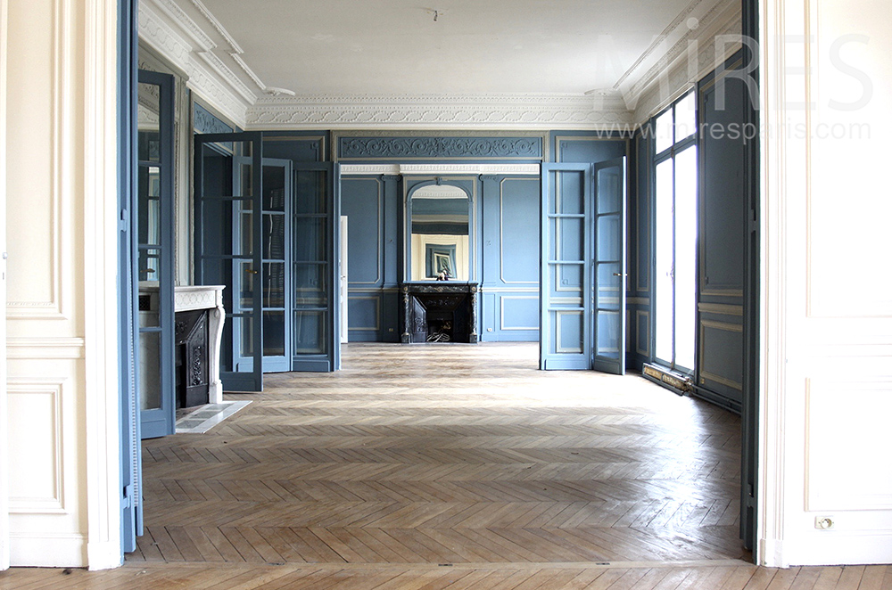 Appartement bleu céleste. C1496