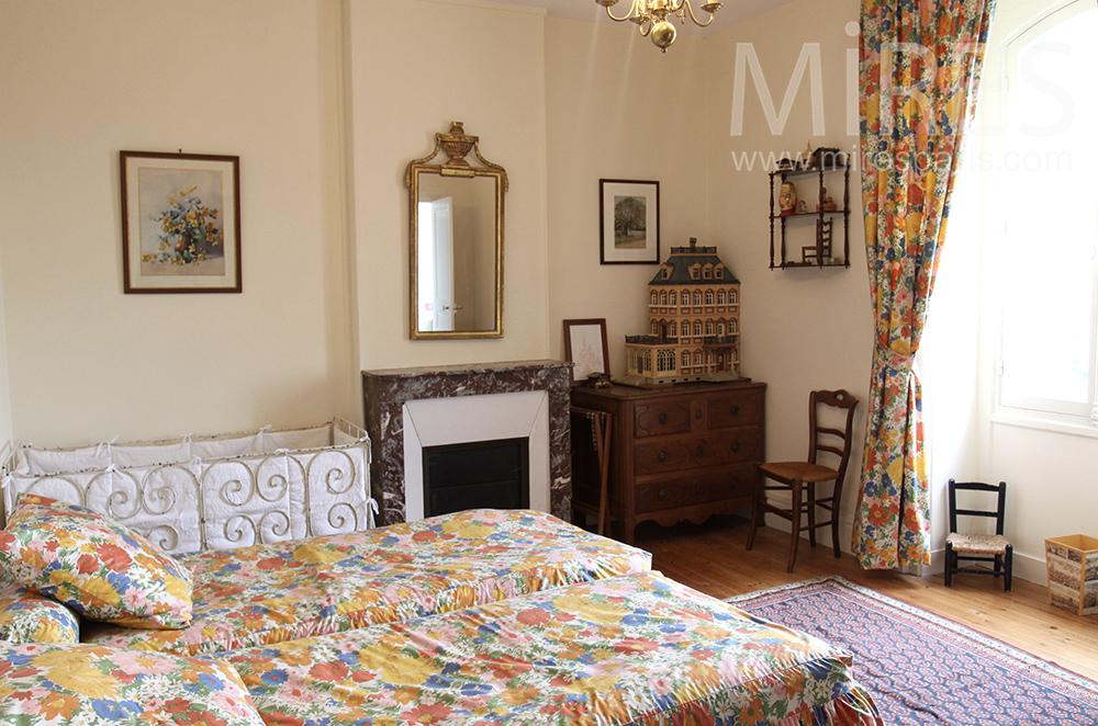 Chambre à thème floral. C1501