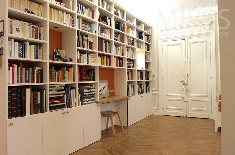Entrée et bibliothèque. C1502