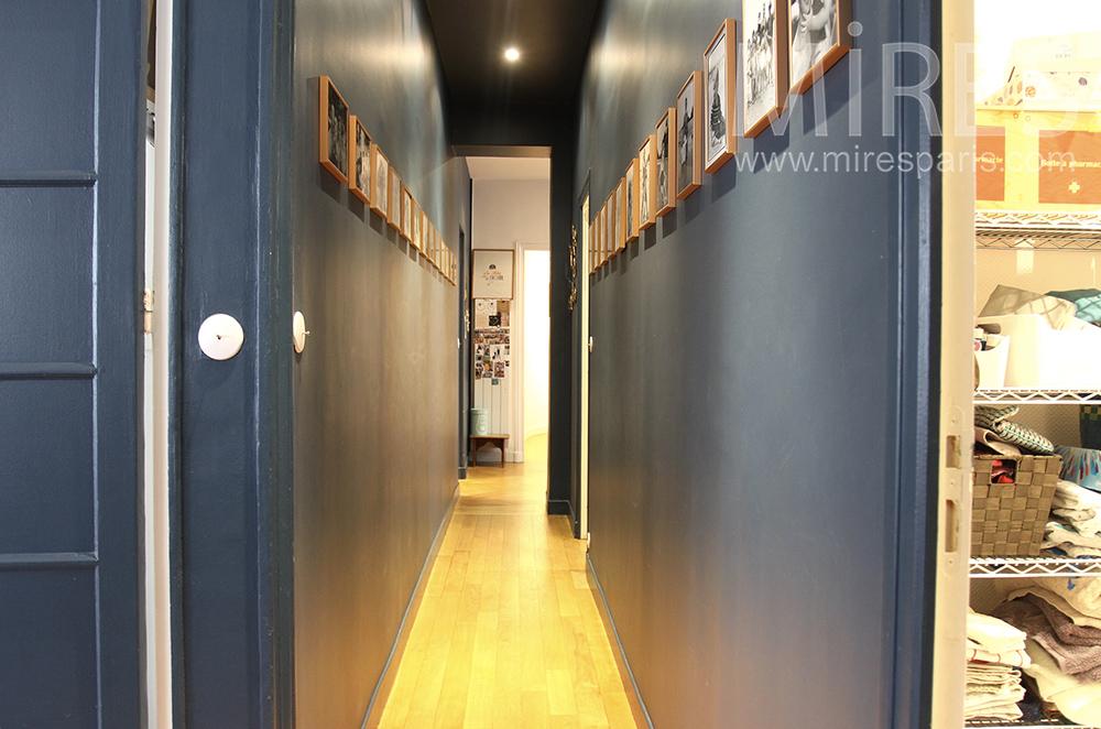 Couloirs étroits. C1503