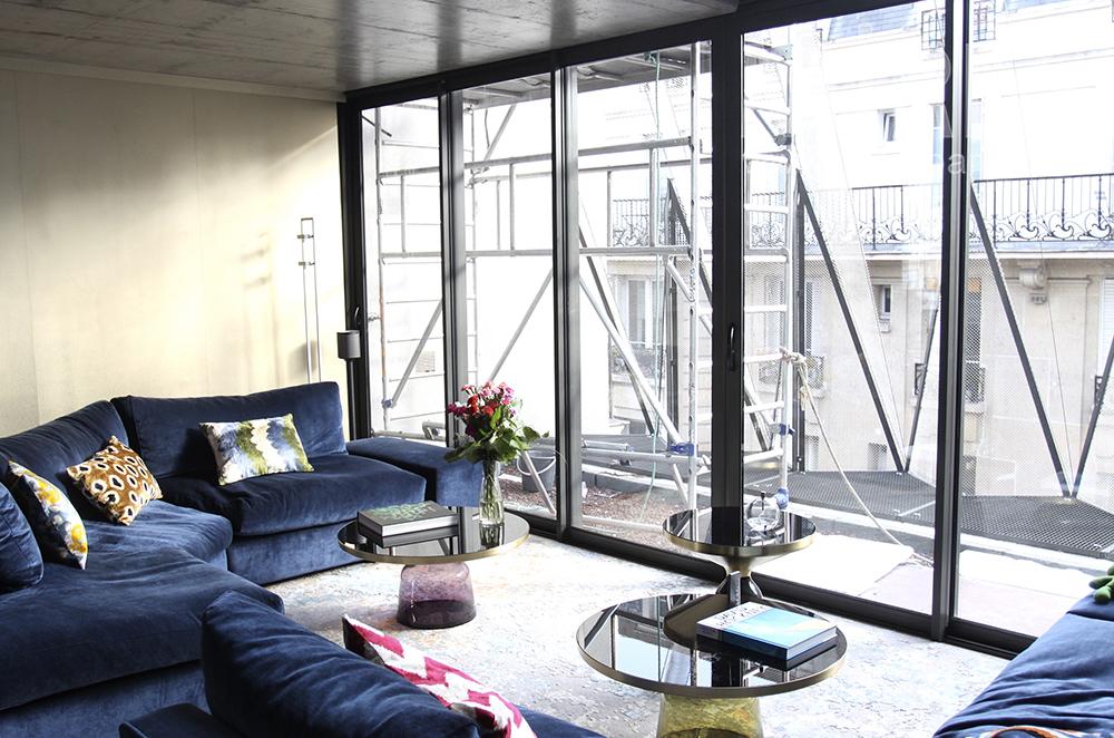 Azur et salon. C1504