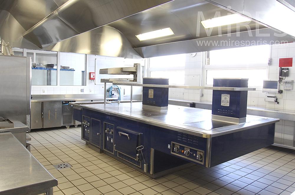 Piano bleu pour cuisine moderne c1500 mires paris for Piano pour cuisine
