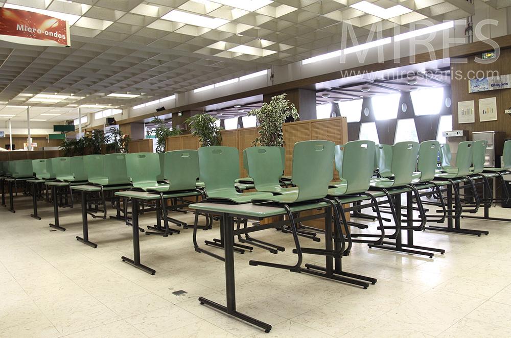 Cafétéria scolaire. C1500