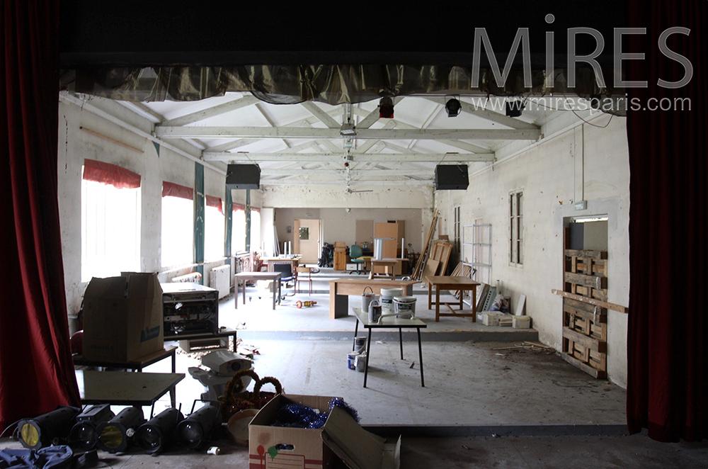 Théâtre et atelier. C1512