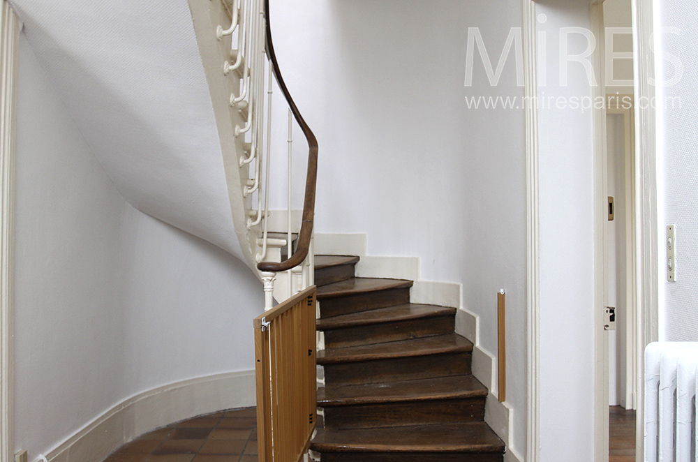 Simple classic staircase. C1512