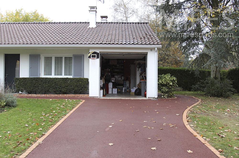 Garage intégré. C1513