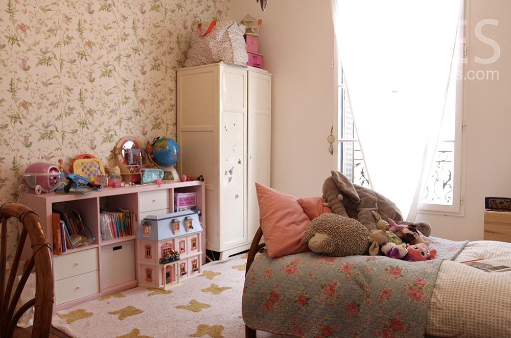 Girl's room. C1516