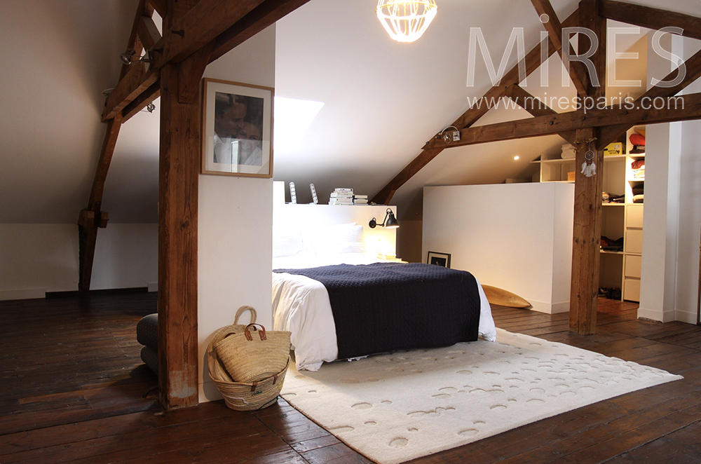 mansarde avec douche et dressing c1516 mires paris. Black Bedroom Furniture Sets. Home Design Ideas