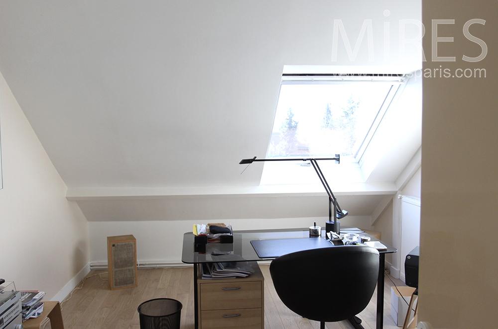 Espace de travail sous les toits. C1518