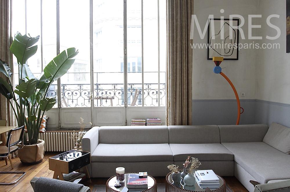 Salon avec terrasse sur balcon. C1523