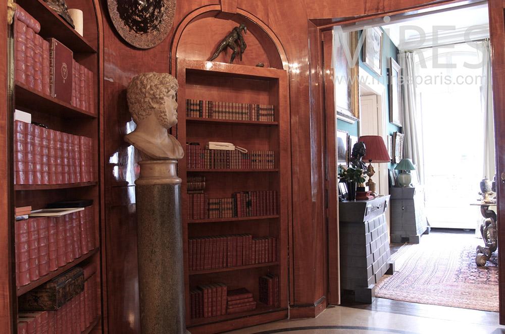 Bibliothèque romaine en bois. C1529