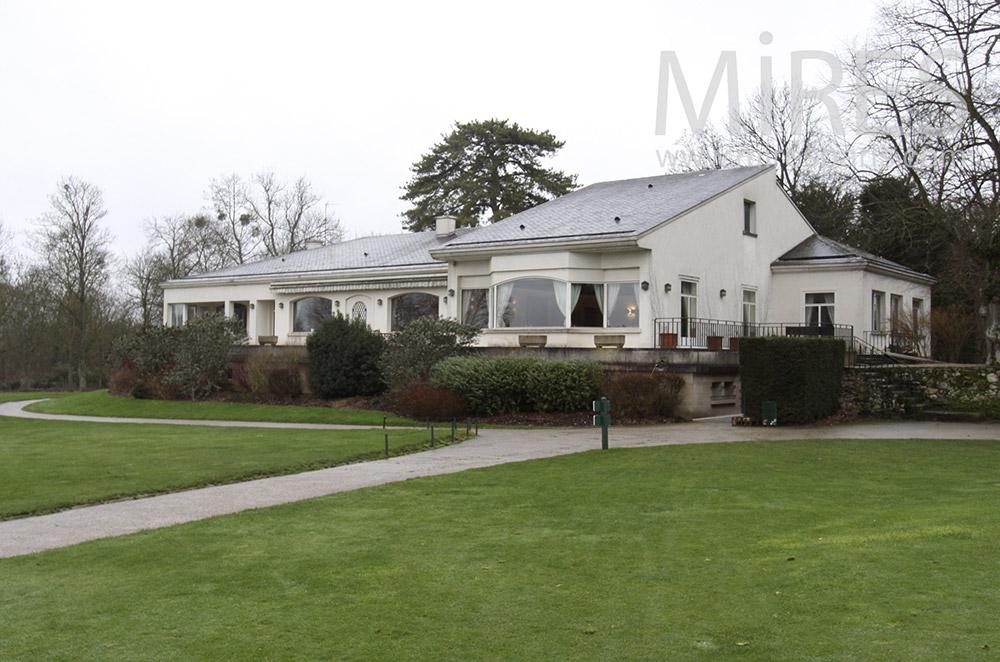 The golf club house. C1532
