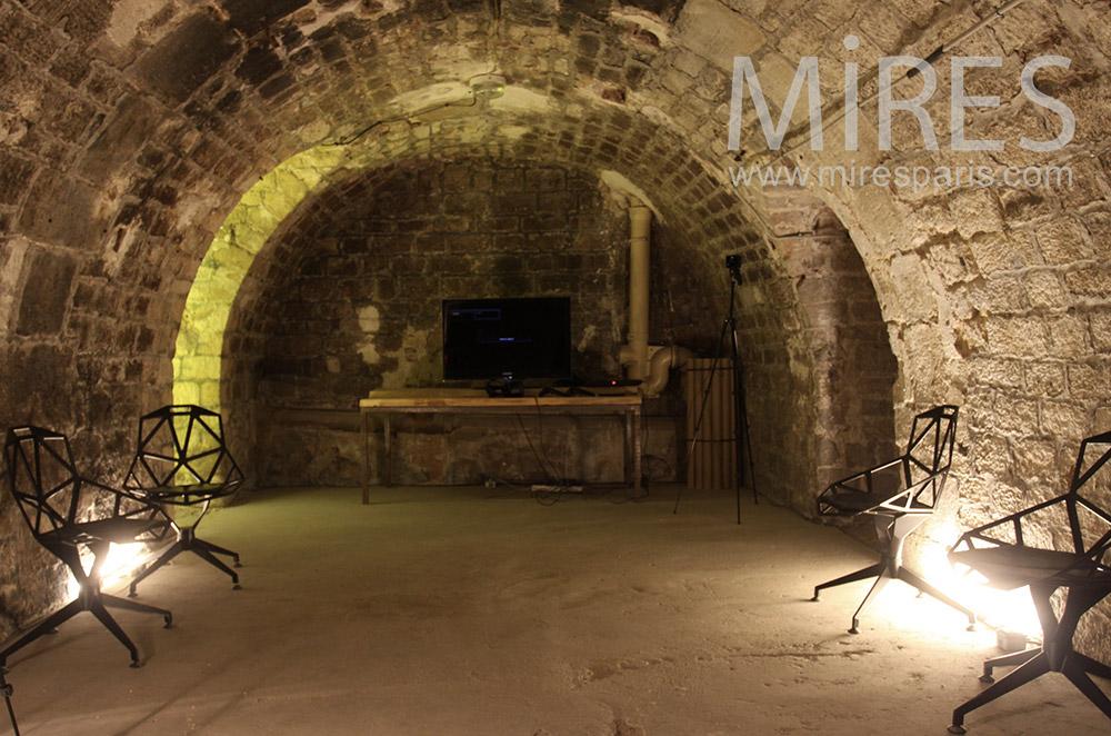 Cinéma en sous-sol. C1540