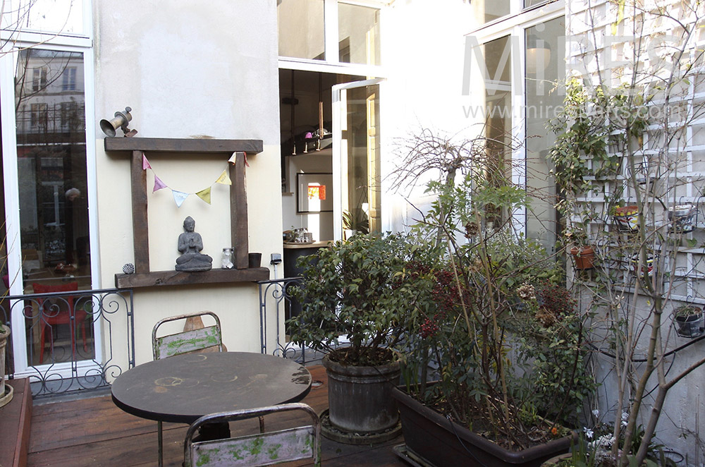 Terrasse sereine. C1544
