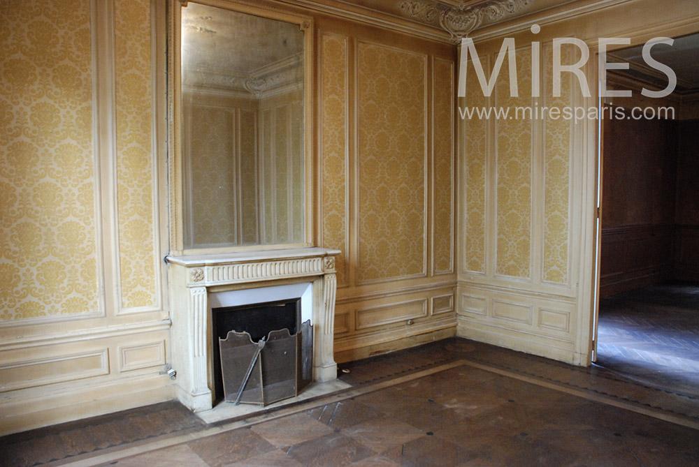 Salon et papier peint. C1550