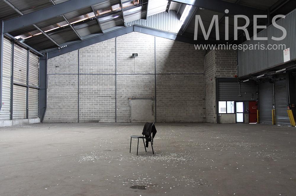 Chaise et entrepôt. C1548