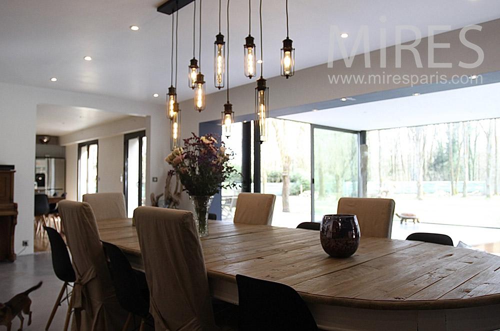 Salle à manger bois et lumière. C1551
