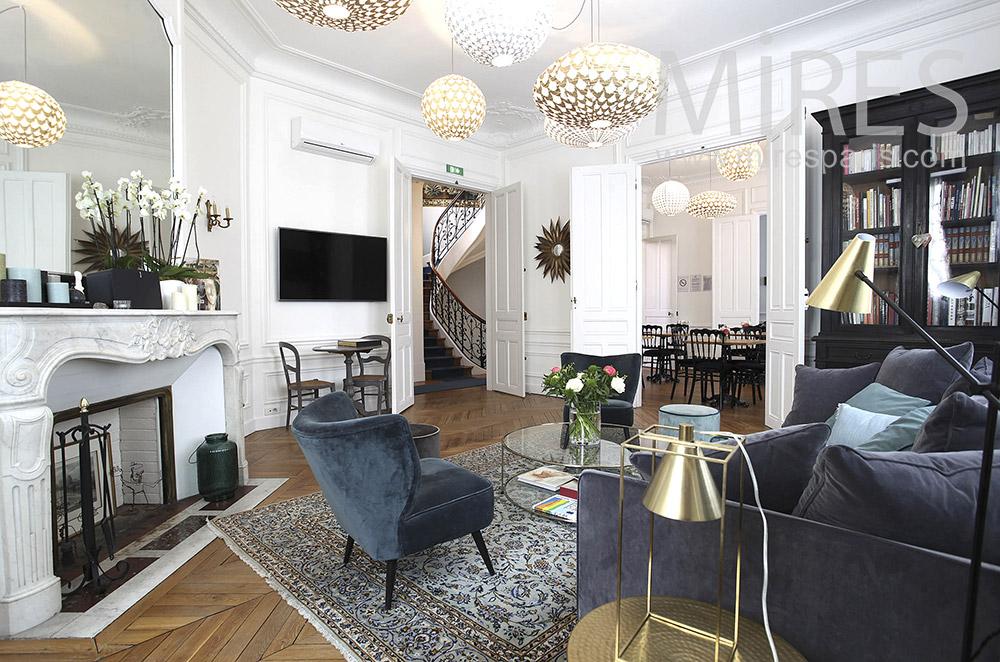Chambre d'hôte parisienne. C1557